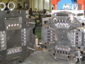 6-Komponenten Spritzgießform (4)