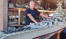 Brugte tre år på at bygge verdens næststørste Lego-hangarskib (2)