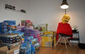 Lego-sættene leveres lige til døren af Lej & Leg-MAN