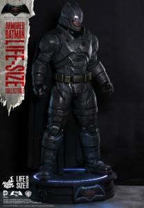 Hot Toys Batman (1)